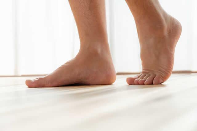床は吸音/防音性のある素材が最適