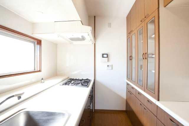 対面キッチンの背面収納の奥行きについて
