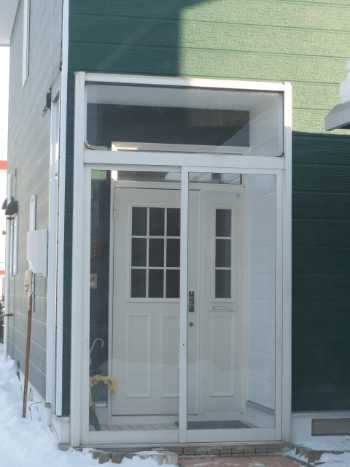 風除室のリフォームで玄関の風除け対策!設置価格・おしゃれなメーカー品は?