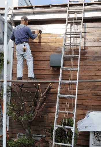 外壁・屋根の工事で必要な「足場」の単価・費用はどれくらい?設置/組み立て時にかかる相場は?
