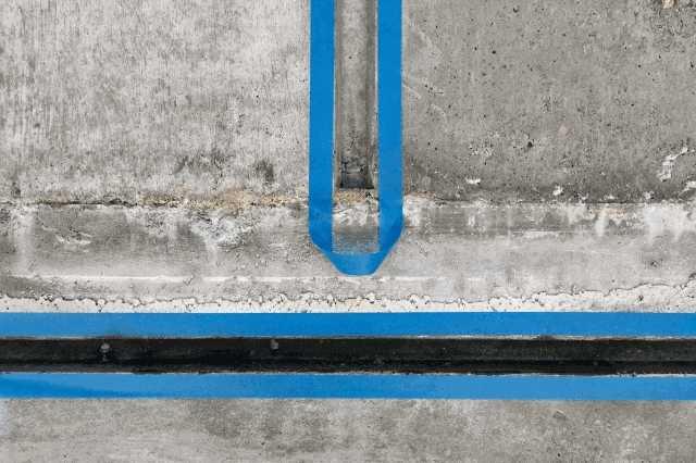 外壁コーキング(シーリング)補修の費用相場!DIYは可能?打ち替え・増し打ちの違いとは?