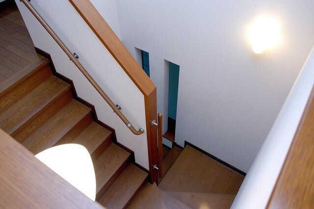 階段の種類と特徴4タイプまとめ!どの階段にする? | リフォーム費用の ...