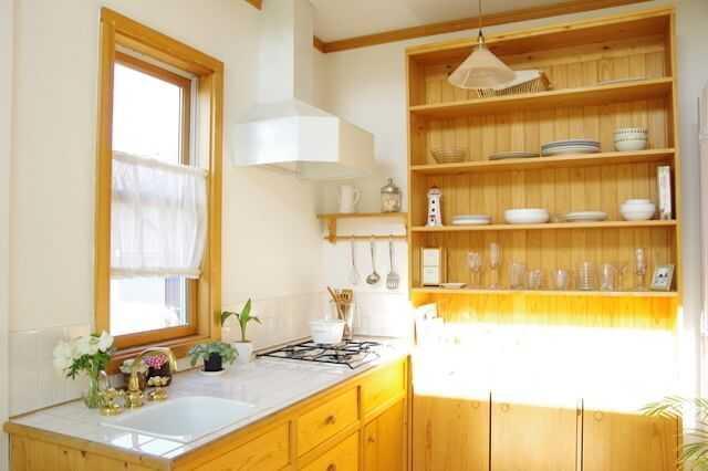 美しく使いやすい食器棚づくりのために守るべき4つのポイントとは?