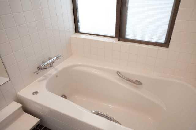 人工(人造)大理石の浴槽って本当に良い?メリット・デメリットやリフォーム費用は?
