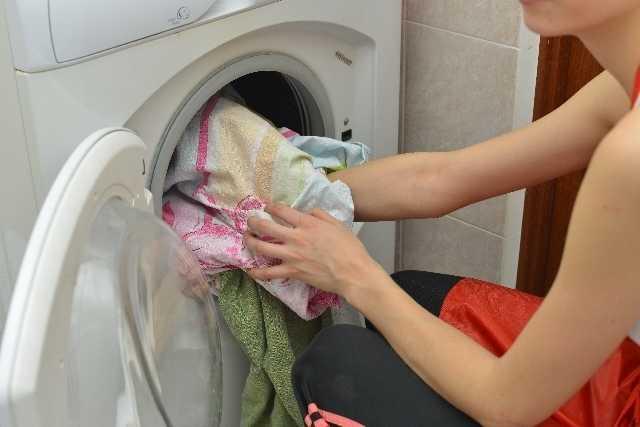 見落としがち!カーテンにもカビが発生する!カビ対策のためのカーテンのお手入れ・洗濯方法