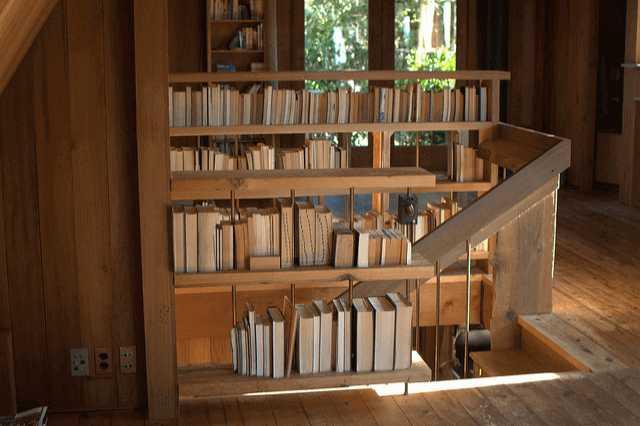 こんなところまで本棚?!スペース大活用実例8選