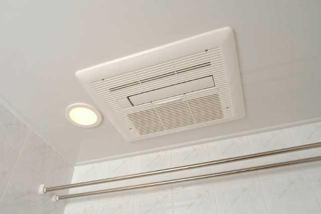 風呂・浴室の天井交換・張り替え費用と注意点!リフォームでカビ・結露を防止