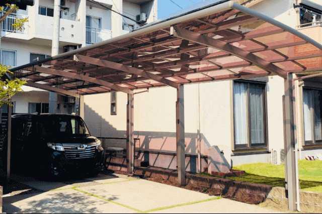 カーポートの屋根や支柱を修理したい!費用や注意点は?火災保険は使える?