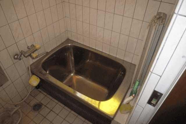 浴槽の傷や剥がれを修理したい!浴槽塗装の費用・業者探しの注意点