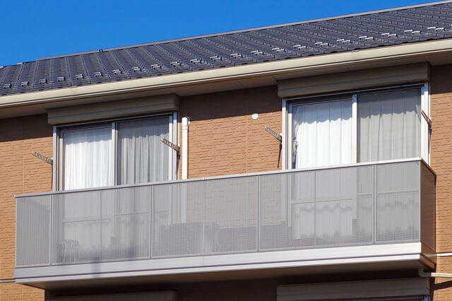 【相場を知って損しない】アパート外壁塗装の費用・耐用年数!事例も公開