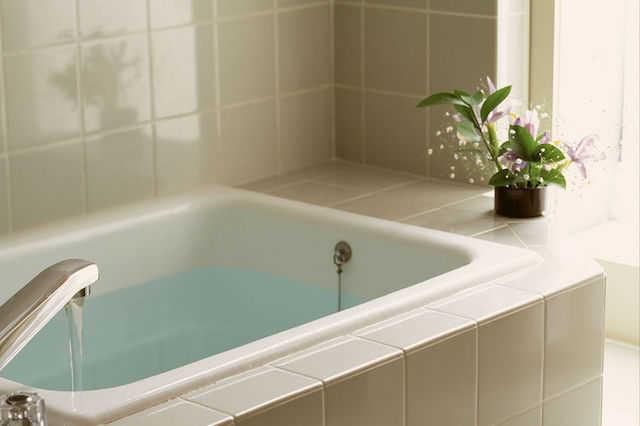 """お風呂・浴室を、増築リフォームで""""増設""""or""""拡張""""したい!費用・工期・注意点は?"""