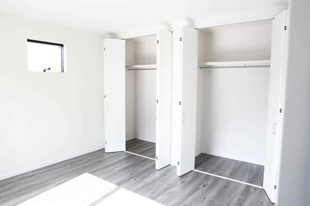 吹き抜けを塞ぐ・部屋に変更するリフォームは可能?費用・実例・注意点