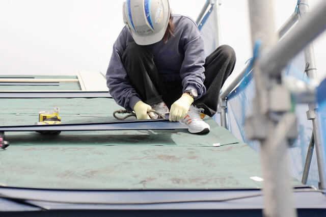 トタン屋根リフォーム費用(修理/塗装/張り替え/カバー工法)の相場は?どの施工方法が最適?