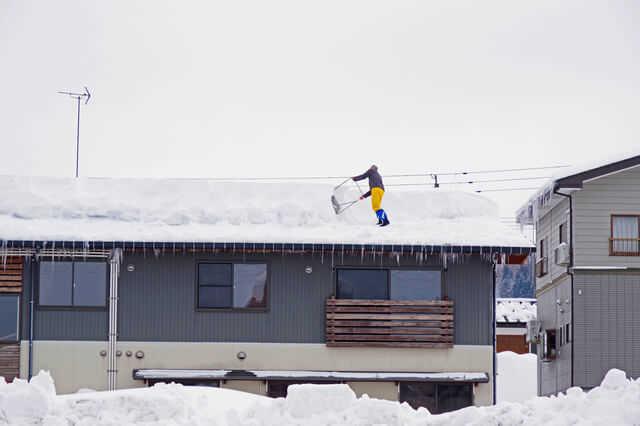 【豪雪地帯の屋根にもガルバリウムはおすすめ】