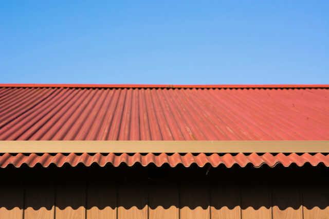 トタン屋根の耐用年数や塗装・張り替えなどの時期目安は?