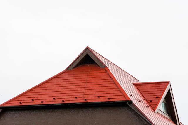 トタン屋根リフォームの費用が不安ならローンも視野に