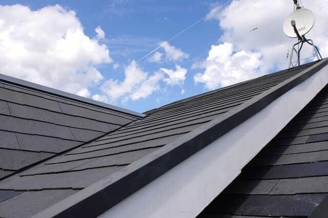 屋根の遮熱対策リフォーム費用や事例を公開!遮熱塗料・屋根材・シート、どれが良い?