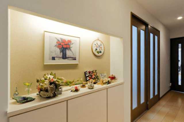 玄関の壁紙クロスの選び方・張り替えの値段・おしゃれな施工例をご紹介