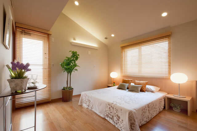 安眠できる寝室の壁紙の選び方!おすすめの色やリフォーム費用は?