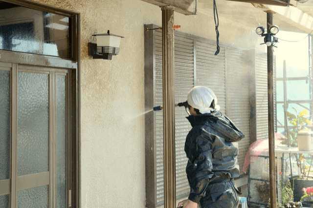 外壁のチョーキング現象は、放置すると危険?補修費用・方法は?