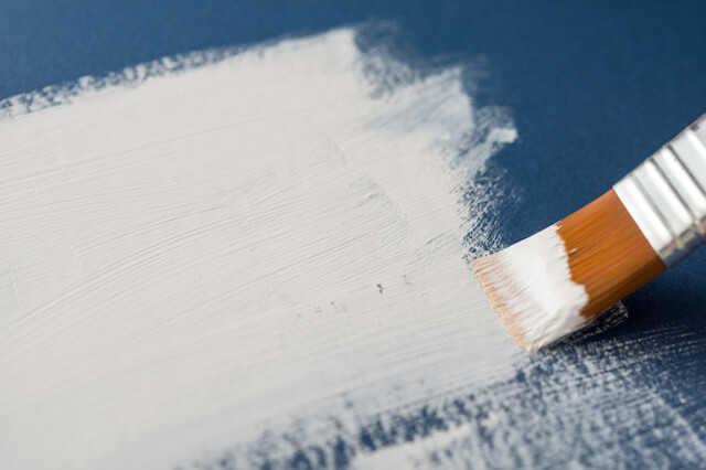 外壁塗装で「アクリル塗料」が使われにくい理由とは?【費用・メリット・デメリット】