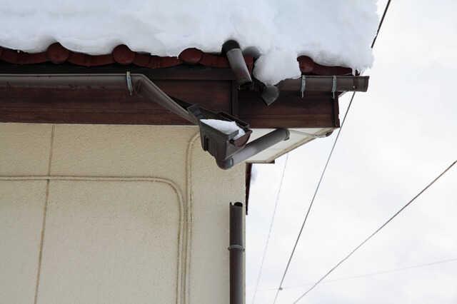 火災保険でリフォームできる?地震の場合は?修理対象・注意点・トラブル対策について