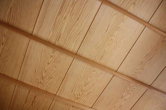 天井材に木・板を使うときの張り替え費用と注意点