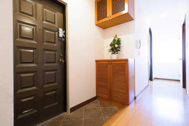 使いやすい玄関収納の種類とリフォーム費用相場
