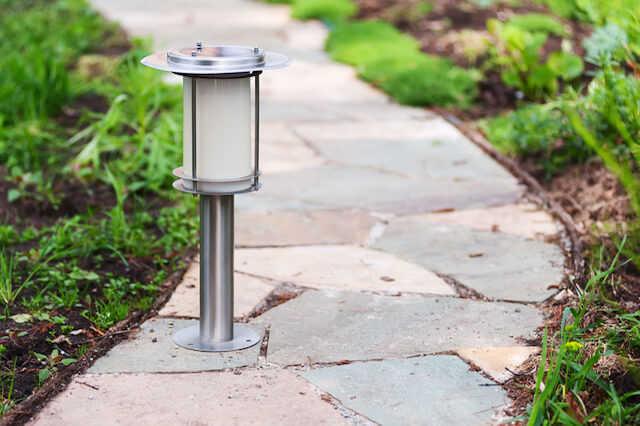 お庭をおしゃれに演出する照明アイデア