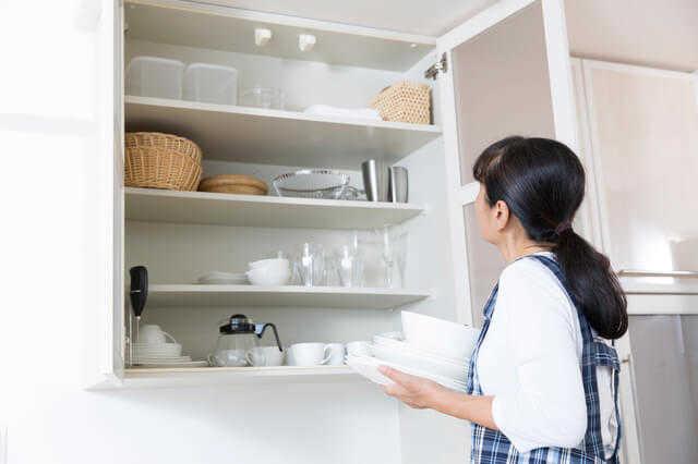 キッチンの吊り戸棚って本当に邪魔?上手にリフォームするためのポイント