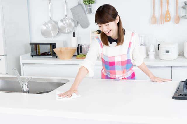 白いキッチンはキレイに保ちやすい