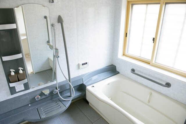 ライフスタイルに合わせて選ぶ!浴槽の形・素材の種類知っていますか?