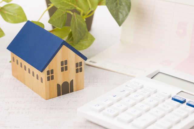 屋根の葺き替え工事の費用相場(総額/単価)