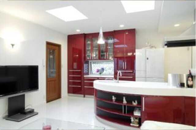 キッチン背面・壁面収納リフォームの費用&ポイント!DIYする場合の方法もご紹介