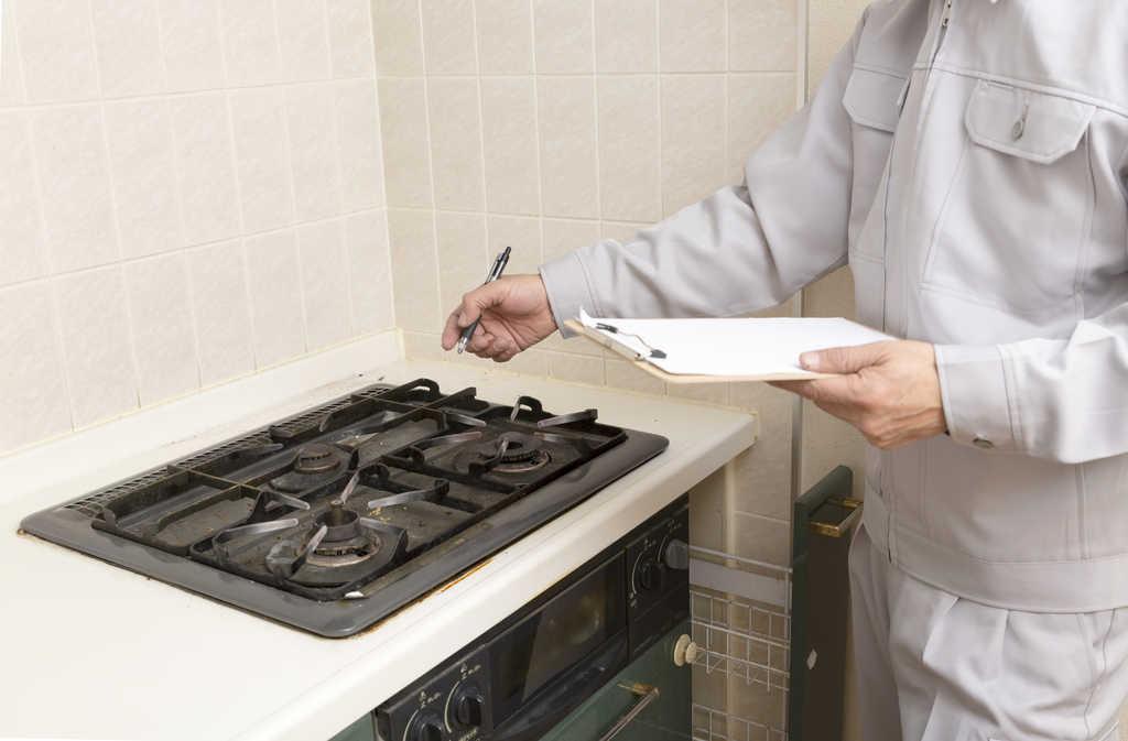 キッチンのワークトップ(天板)の素材比較!交換やDIYによる修復は可能か?