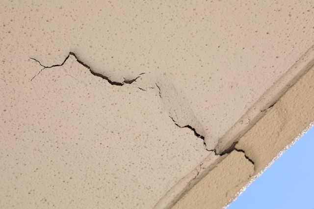 台風・雪による破損などの場合は、火災保険を使える可能性あり