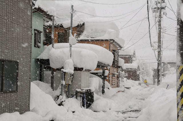 屋根に雪止めが必要な地域