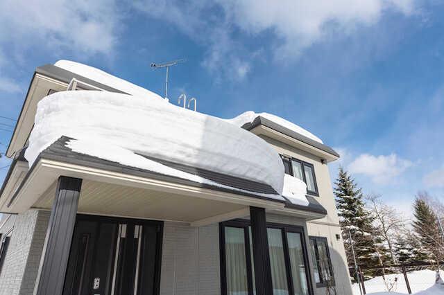 無落雪屋根のリフォーム費用やメリット・デメリット!雨漏り・雪庇などのトラブル防止対策は?