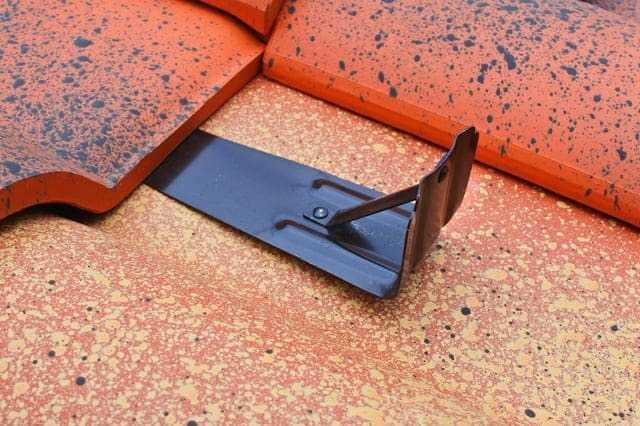 屋根の雪止めの種類