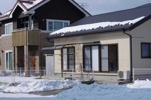 屋根の雪対策の補助金制度も活用を