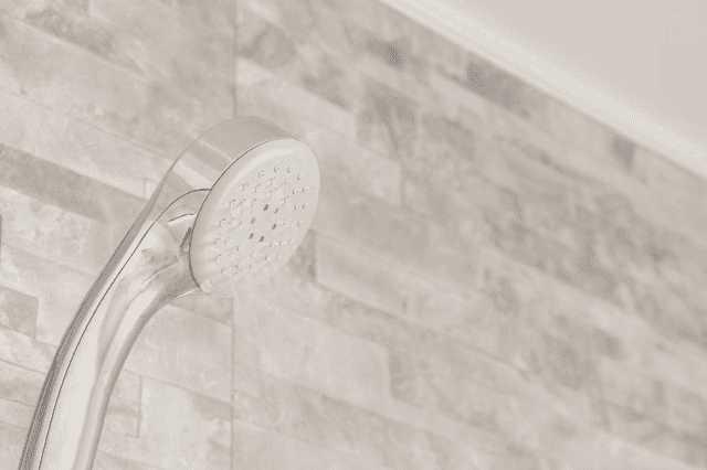 お風呂でよくあるトラブル・部位別の修理費用相場!業者の探し方は?