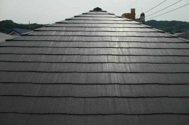 コロニアル/カラーベスト屋根の塗装・メンテナンス・リフォーム価格や時期は?アスベストの注意点も解説