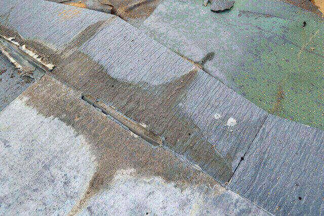 ノンアスベストに切り替わった頃の屋根は弱く、寿命が短い