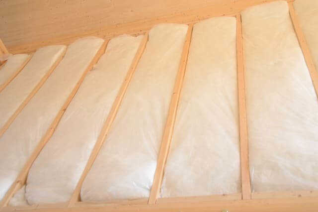 ②外壁、屋根・天井または床の断熱改修