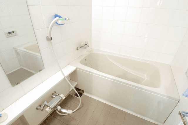そもそもFRP浴槽(ポリバス)の特徴とは?