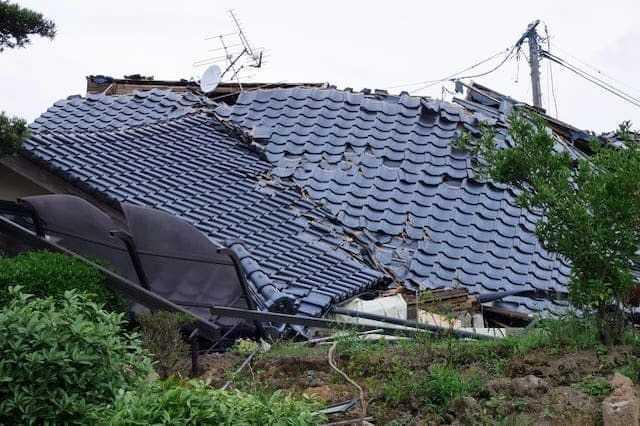 防災瓦は本当に地震/台風に強い?種類・価格・リフォーム事例を解説!