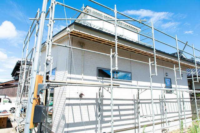 窯業系サイディングを重ね張りする費用・施工単価