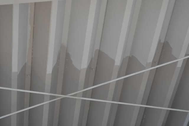 折板(折半)屋根の塗装費用・施工単価