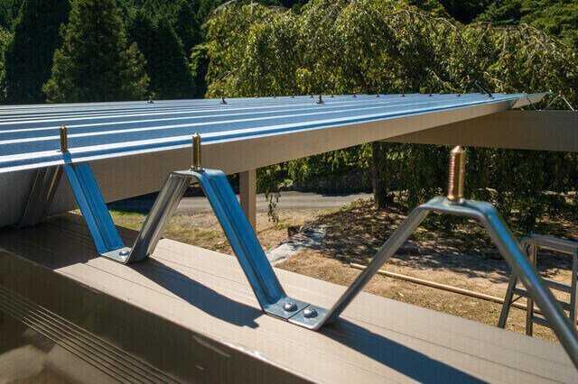 折板(折半)屋根の葺き替えの費用・施工単価