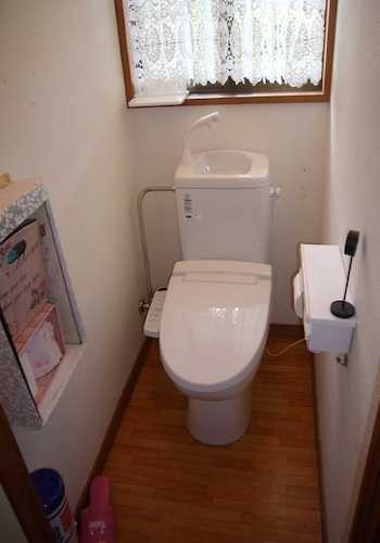 【汲み取り式から簡易水洗トイレにする費用は?】